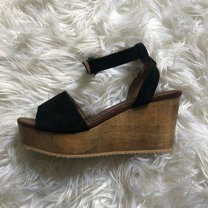 Aimee' Wooden Platform Wedge Sandal